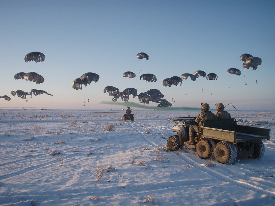 us-army-parachutes-winter-arrival-arriving.jpg