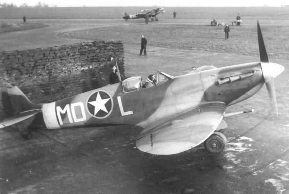 American_Supermarine_Spitfire_Mk_Vb_MD-L_of_the_4th_FG_336th_FS.jpg
