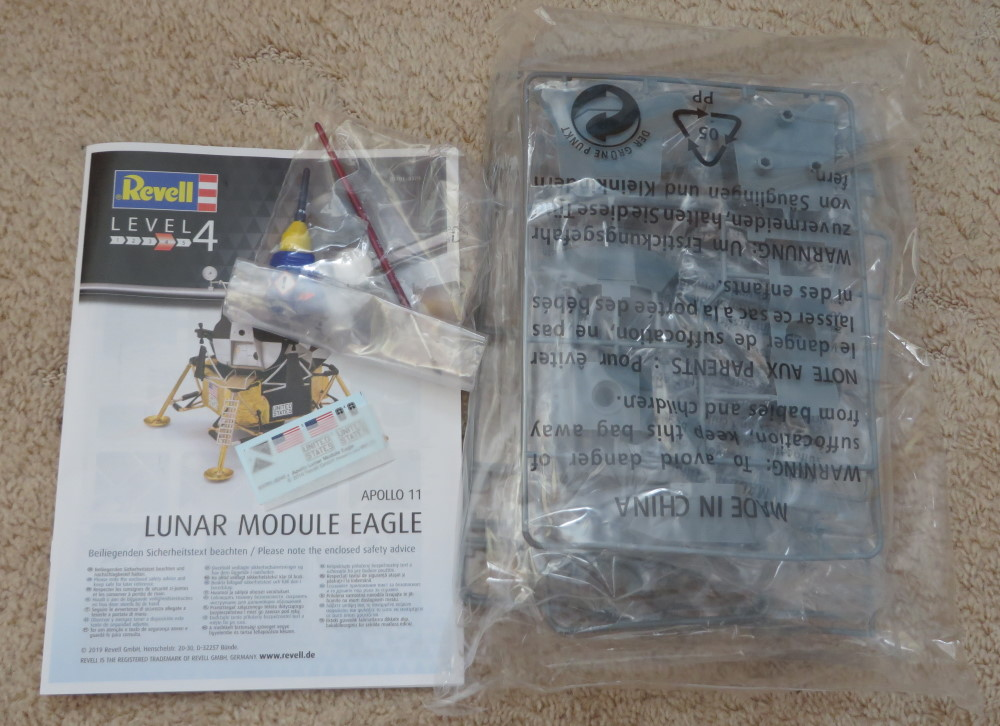 Apollo11_LM_Eagle_Revell_1-48_pic4.jpg